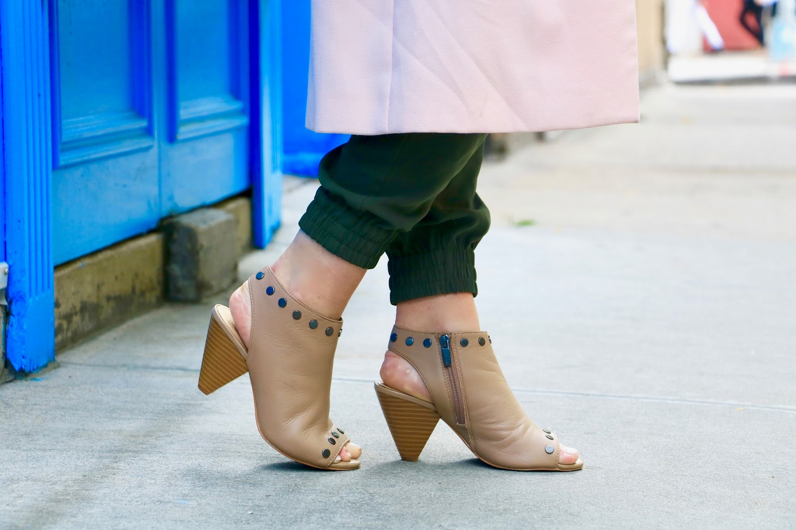 Nyc fashion blogger Kathleen Harper in nude peep-toe booties
