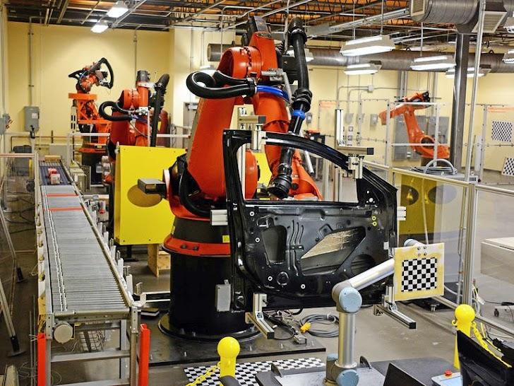 Wow! Carnegie Mellon Mendapatkan 250jt Dollar Lebih dari Departemen Pertahanan AS beserta Mitranya Untuk Meluncurkan Ide Teknologi Robotic Terbaru