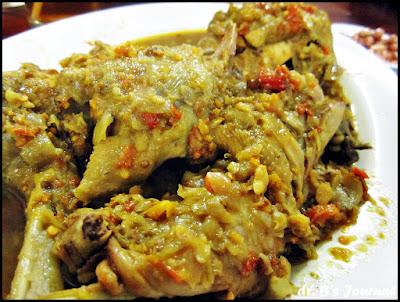 Kuliner Indonesia - Ayam Bakar Bumbu Kuning Cak Iwan