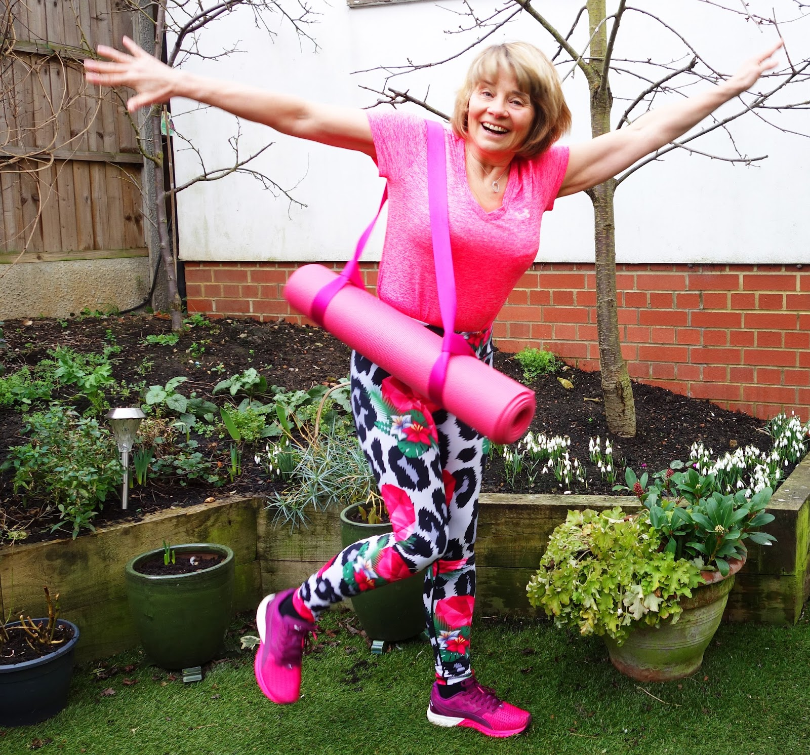 Image showing bright colourful leggings for sport from Yoga Leggs worn by over 40s blogger Gail Hanlon