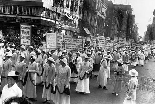 Resultado de imagen para protesta de sufragistas