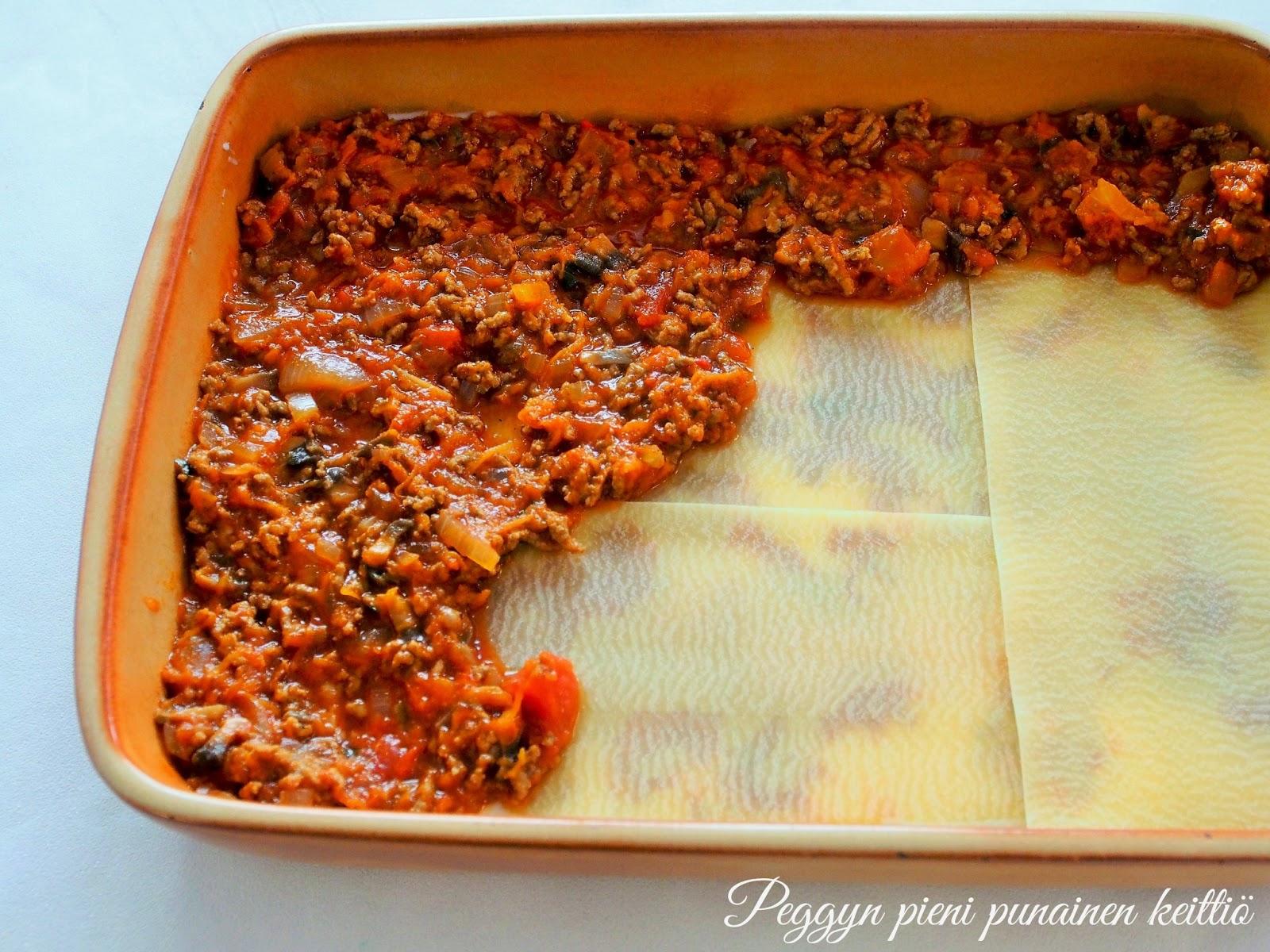 kesäkurpitsalasagne ilman tomaattia
