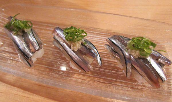 ซูชิปลาบลูสแปรต คิบินาโกะ (Kibinago)