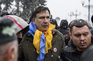 о приключениях Саакашвили на Украине и чем они грозят Порошенко
