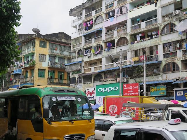 Autobús en Yangon
