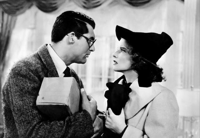 Cary Grant et Katherine Hepburn dans L'Impossible Monsieur Bébé de Howrad Hawks, exemple de screwball comedy