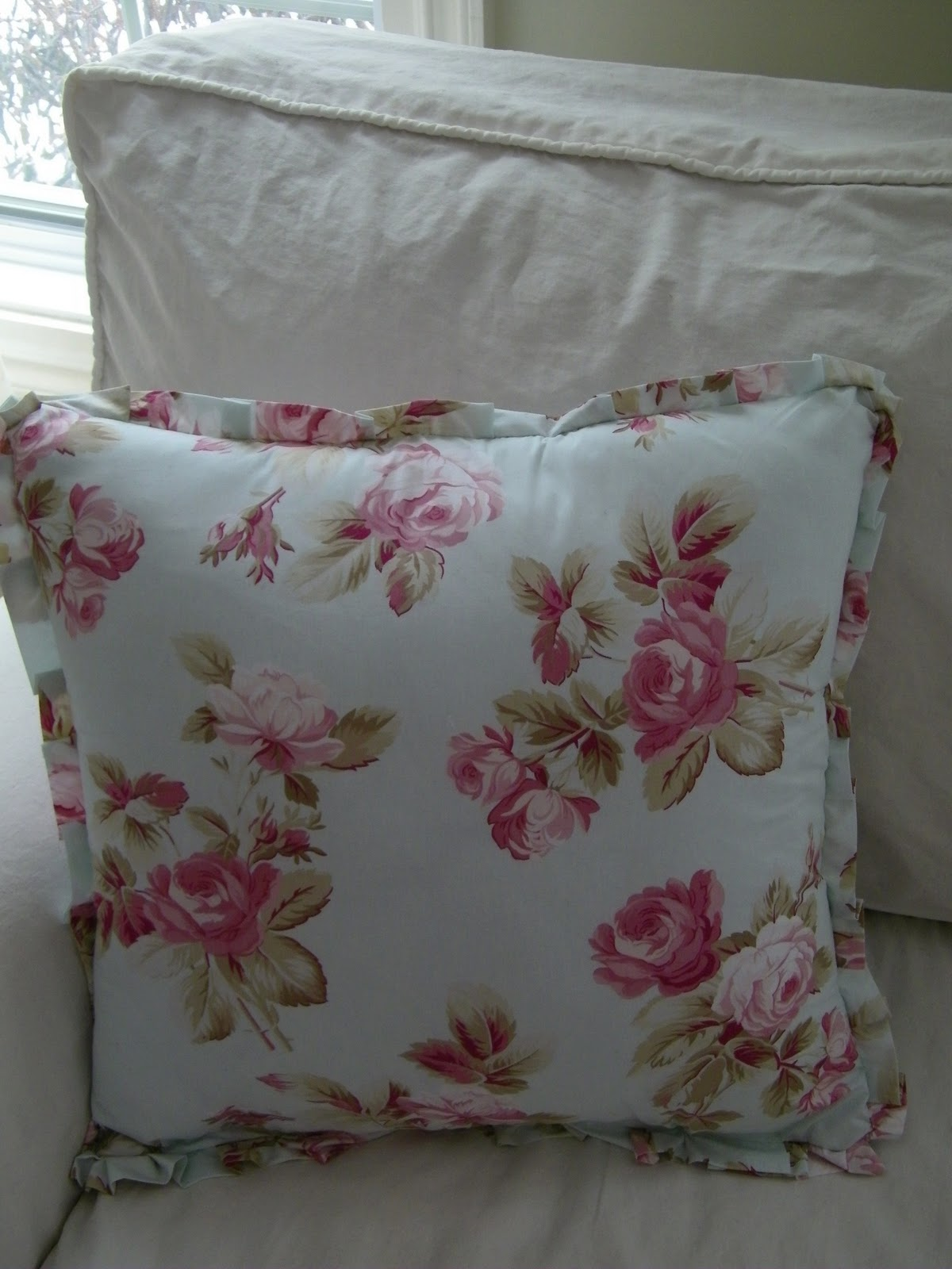 Shabby Chic Beach Pillows : Maison Decor: Authentic Shabby Chic Pillows