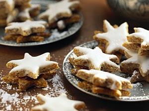 Biscotti Di Natale Zimtsterne.Biscotti Di Natale Ricetta Svizzera