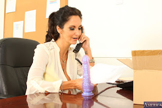 Ava-Addams-%3A-Fucking-in-the-desk-with-her-bubble-butt-%23%23-NAUGHTY-AMERICA-e6vw0q61p4.jpg