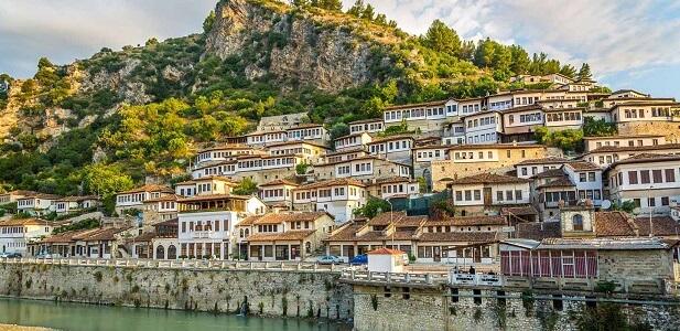 Arnavutluk Nasıl Bir Ülke?