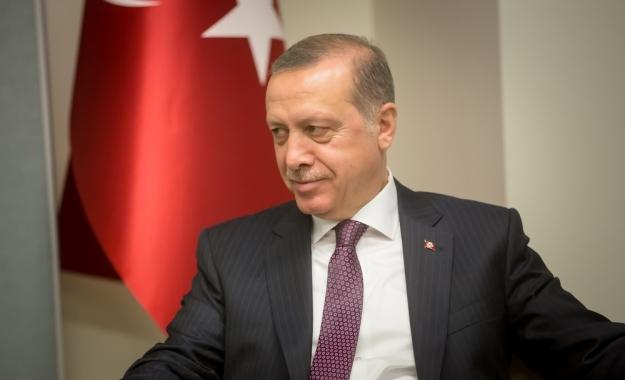 Ο Ερντογάν επενδύει στα άκρα και ομολογεί έγκλημα κατά του Ελληνισμού
