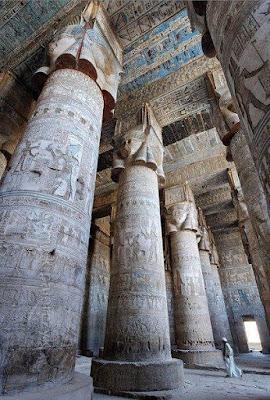 Hathor_temple_columns