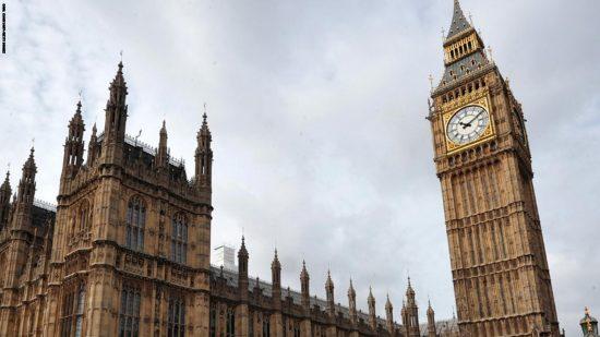 """تارودانت بريس - Taroudantpress :مخاوف من تكرار سيناريو كاتدرائية """"نوتردام"""" في مبنى البرلمان البريطاني"""