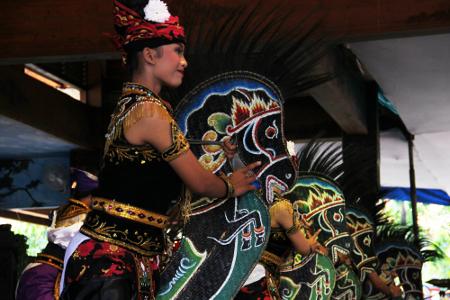 Tari Ambarang, Tarian Tradisional Dari Tulungagung Jawa Timur