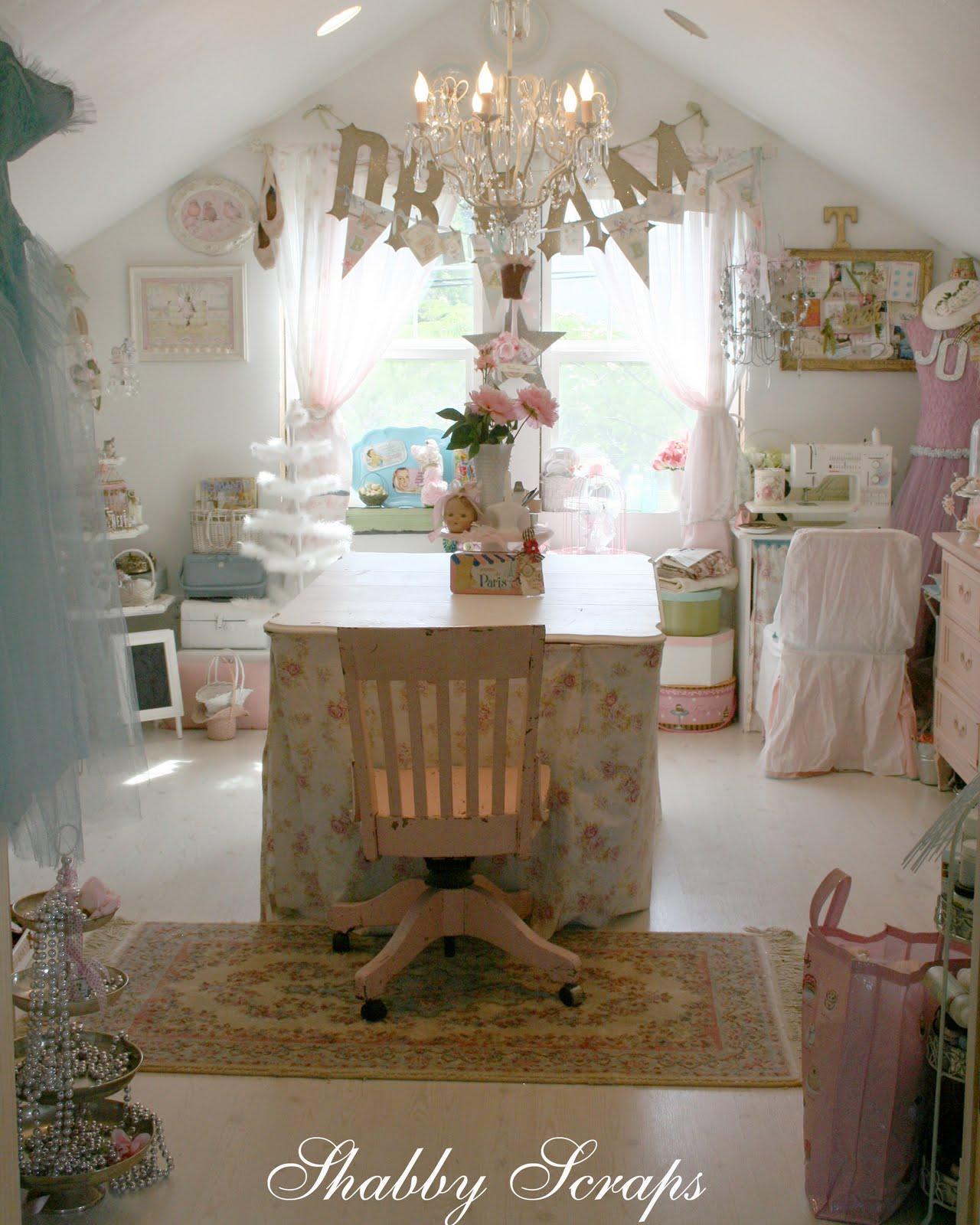 Shabby Chic Bedrooms: Shabby Chic Lofts And Attics