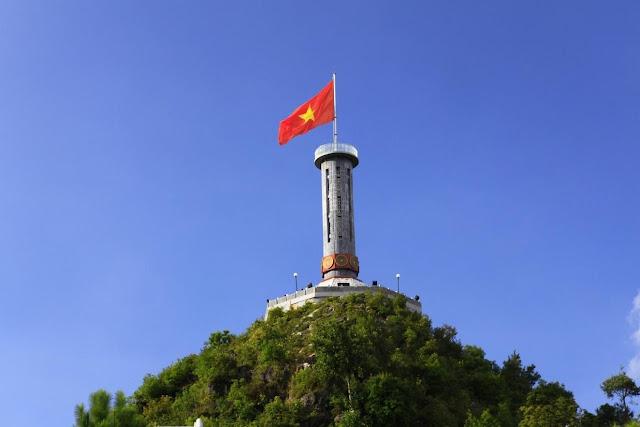 du lịch hà giang - cột cờ lũng cú - du lịch Minh Anh