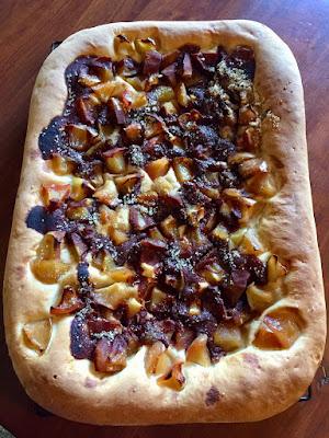 sourdough-apple-cinnamon flatbread