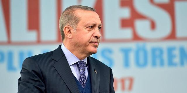 Ο Ερντογάν καλεί τους Τούρκους της Γερμανίας να μην ψηφίσουν Μέρκελ