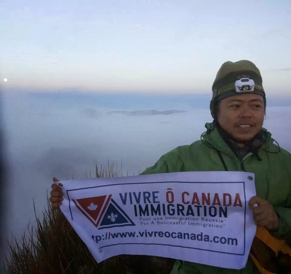 Vivre O Canada atop Mt. Pulag