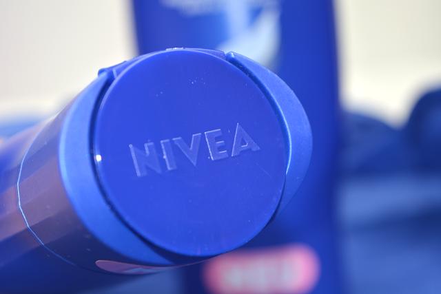 Nivea Haarmilch Shampoo & Spülung | Deckel