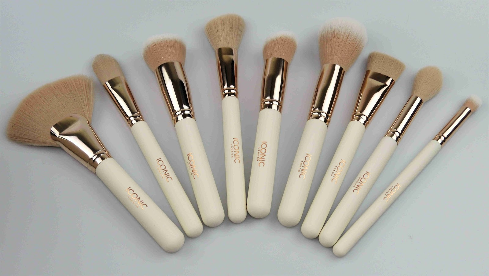 Complete Face Set featuring 9 Brushes ♥
