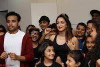 Kiara Advani Black Tank Top Tight leggings Tu Cheez Badi Hai Mast Mast~  Exclusive 09.JPG