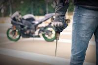 pencuri motor (ransel-sumber)