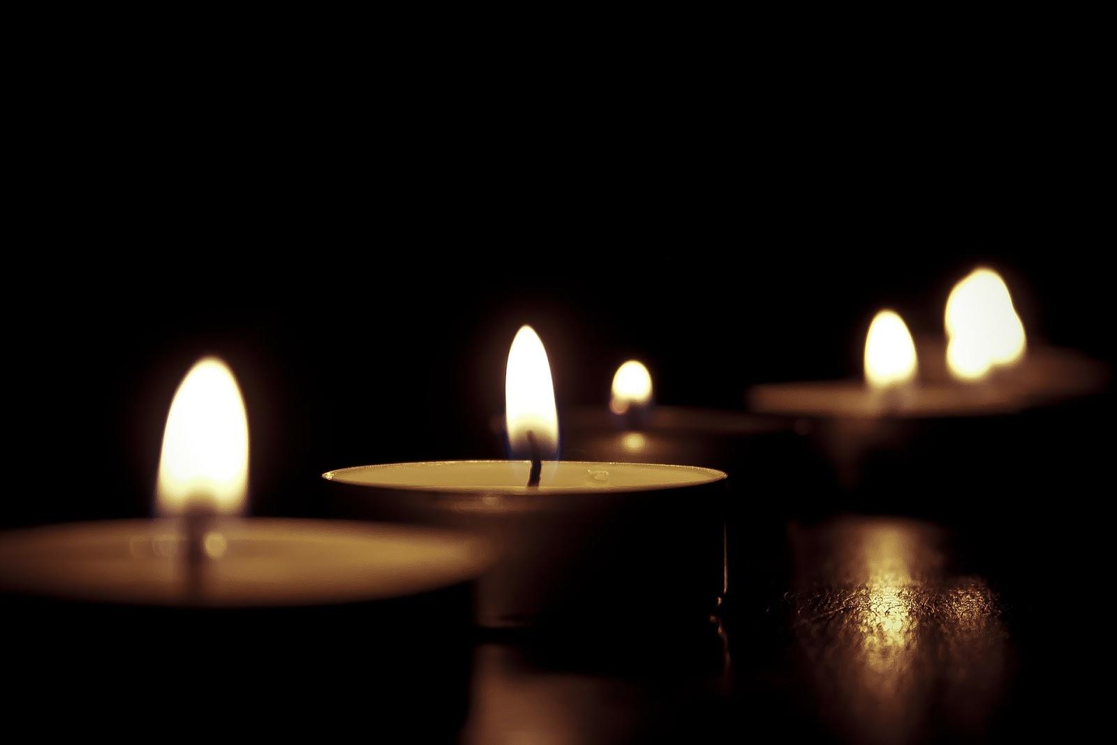 Earth Hour ilmastonmuutos ympäristö päästöt kynttilät ekologisuus eettisyys ilmasto kasvihuonepäästöt