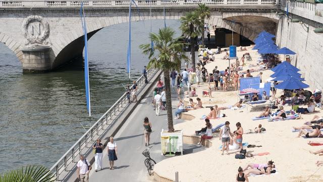 Praias em Paris em agosto