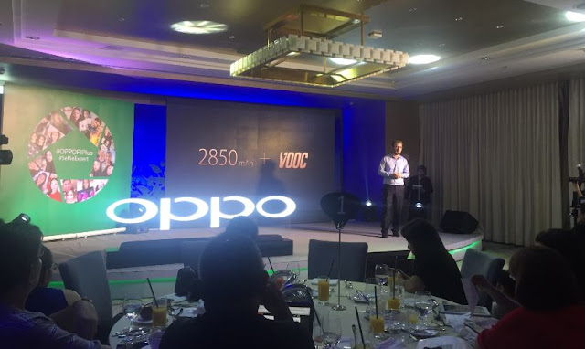 OPPO product expert Marton Barcza discussed the VOOC Flash Charge feature of F1 Plus.