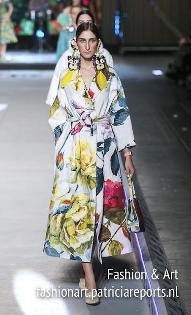 Vassilis Zoulias Madwalk 2018 - flower printed coat