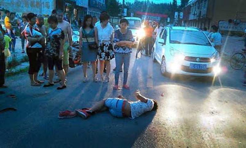 Tai nạn giao thông và sự vô cảm của người Việt