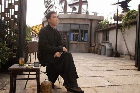 "「有燈就有人」- 詠春拳教學 ""When the lantern is lit, people will come"""