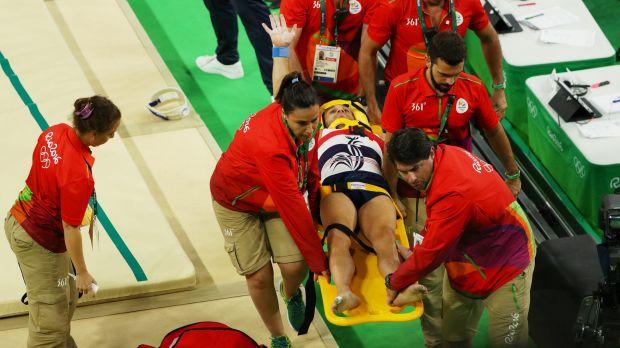 [Gambar] Olimpik 2016, Gimnastik Perancis Patah Kaki