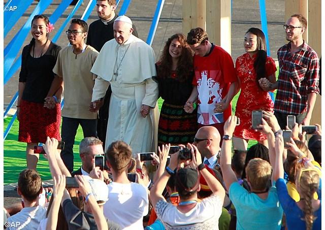 Resultado de imagen para Papa Francesco ai 70 mila della Giornata della Gioventù parla di sogni e di coraggio