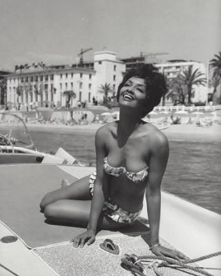 https://i.pinimg.com/736x/f9/ee/18/f9ee1876d9059f1c9af5c091d9088514--african-american-fashion-african-americans.jpg