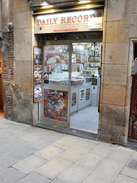 Daily Records - Barcelona Spain - Store Front