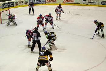 Immagini di un match di Ice Hockey
