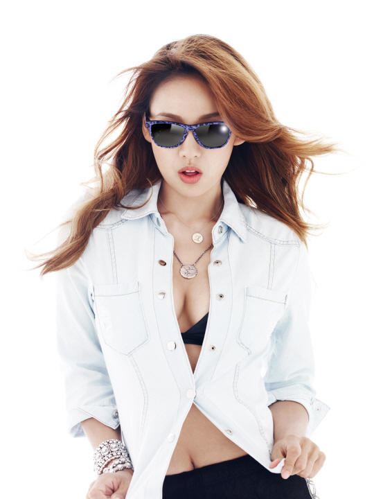 Korean Celebrities: Lee Hyo Ri For Oakley