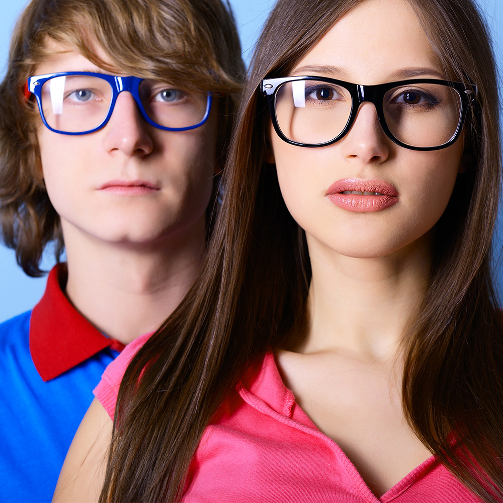 Eyewear Fashion Blog: How to buy spectacles for round face shape online?