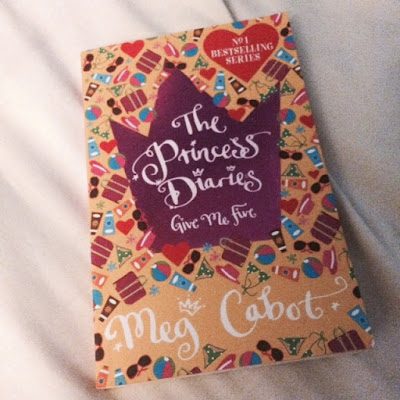 Princess Diaries, Meg Cabot, Book Review, Teenage, Young Adult, Mia Thermapolis,