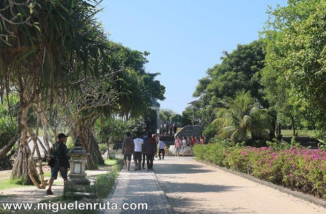 Paseo-Playa-Nusa-Dua