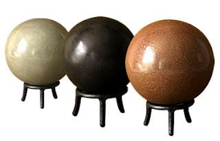 Esferas de dorodango, barro pulido