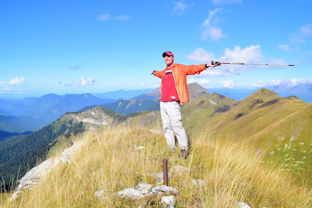 Вершина горы. Хребет Аибга, Сочи, Активный отдых, Роза Хутор, Красная поляна, фото Андрей Думчев