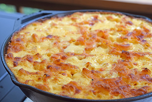 Skillet mac and cheese recipe for big green egg kamado grills