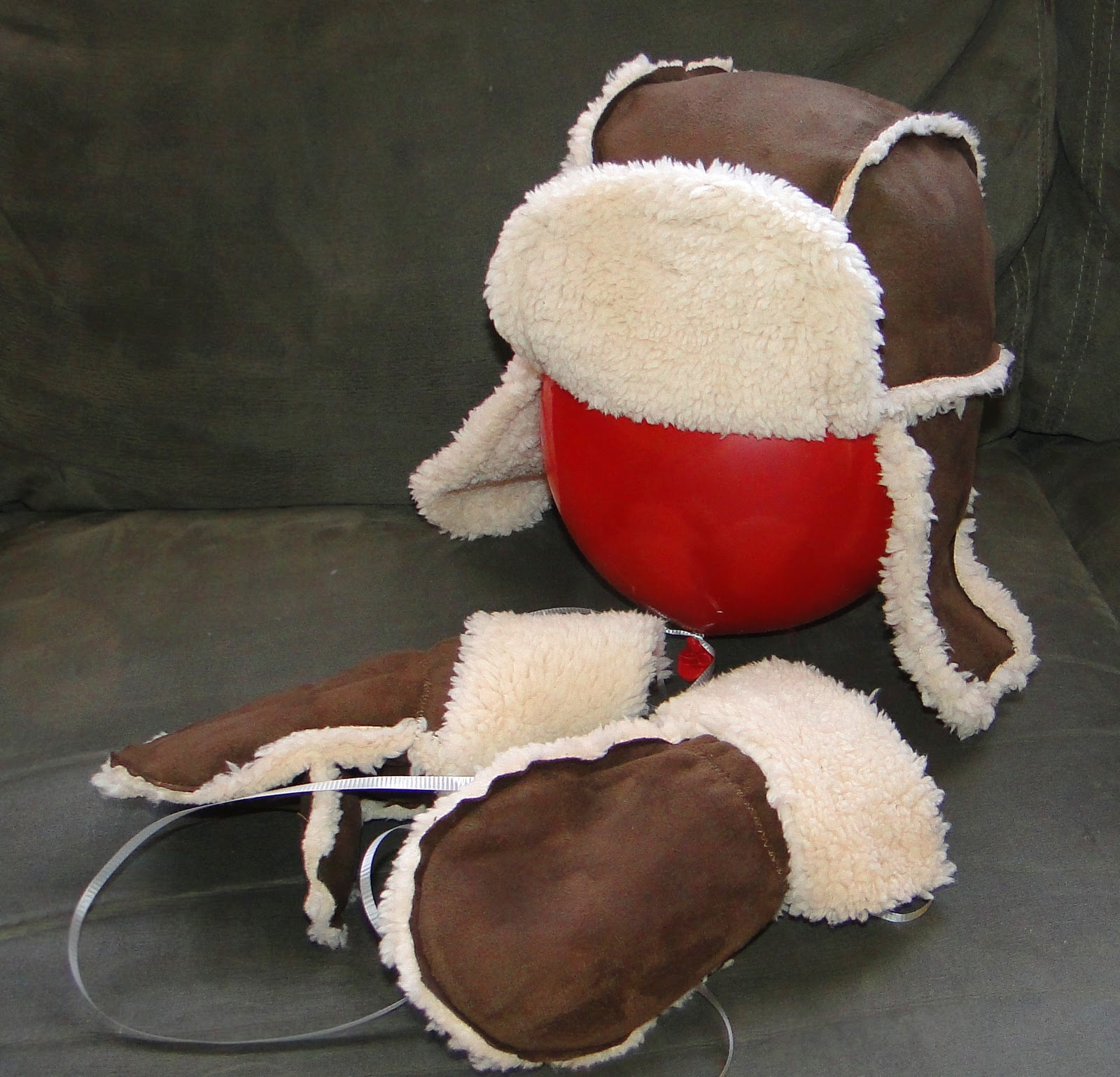 I ve been wanting to make my little buddy a bomber hat when I found some  great Sherpa microfleece last year. I ve been searching for a simple bomber  hat ... 155c29e8e43