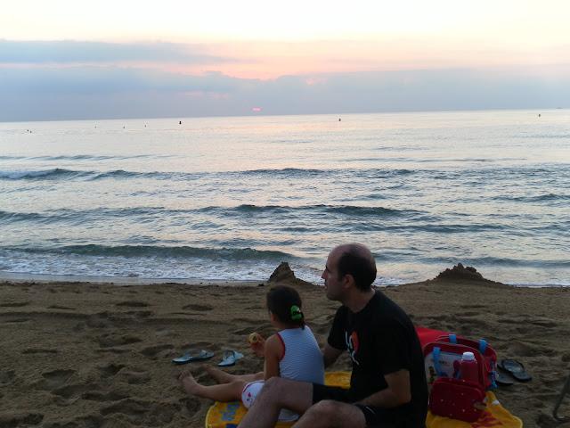 amanecer en la playa, desayuno en la playa, baño en la playa, baño al amanecer, desayuno al amanecer