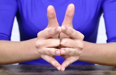 Mengapa Cincin Nikah Dipasang di Jari Manis