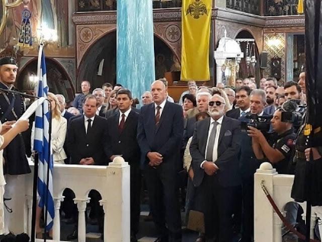 Ο Κουρουμπλής, οι πατριώτες και τα ΜΑΤ στο Προεδρικό Μέγαρο