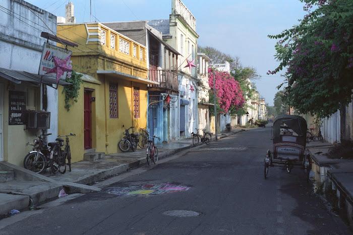 Pondichéry, rue Suffren, © L. Gigout, 1990